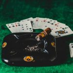 Online Casino Players Leaving the Credit Cards at Home